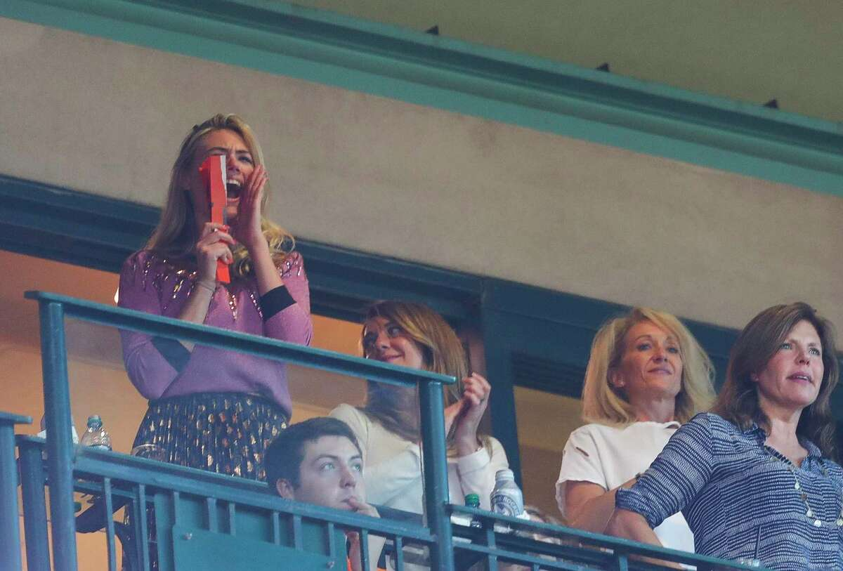 PHOTOS: Kate Upton cheering on the Astros and her fiance Justin Verlander Kate Upton cheers on Houston Astros starting pitcher Justin Verlander (35) after he ended the eight inning of Game 2 of the ALCS with three straight strikeouts at Minute Maid Park on Saturday, Oct. 14, 2017, in Houston. Browse through the photos above for more looks at Kate Upton cheering on the Astros.