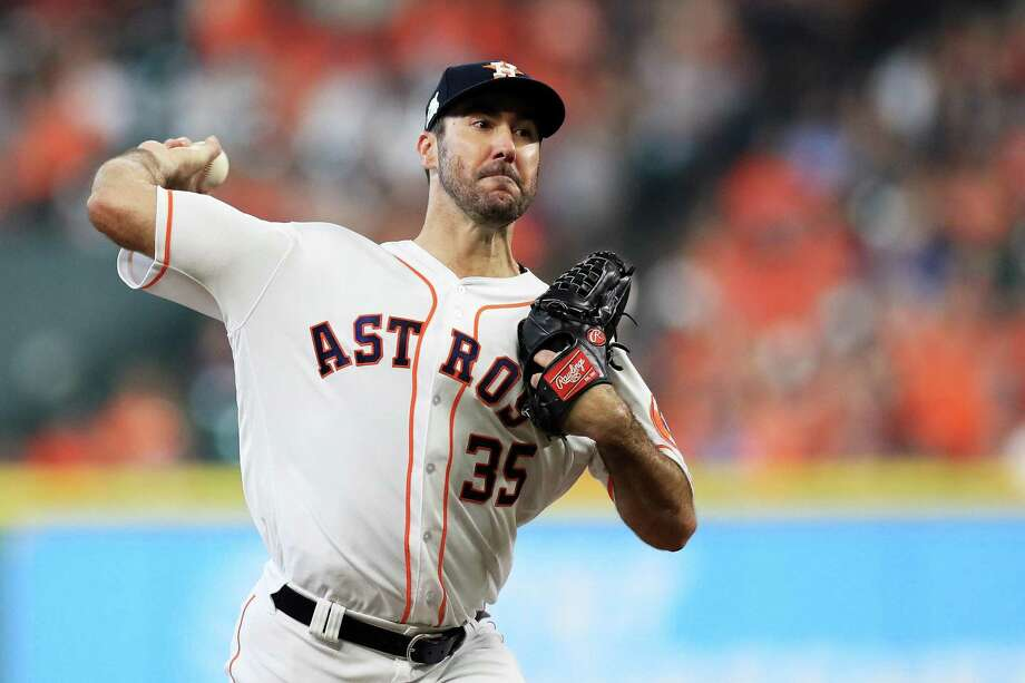Justin Verlander #35 of the Houston Astros pitches against the New York Yankees during game two of the American League Championship Series at Minute Maid Park on October 14, 2017 in Houston, Texas. Photo: Ronald Martinez /Getty Images / 2017 Getty Images
