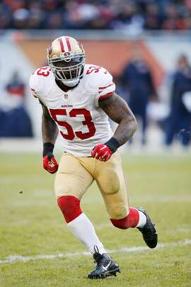CHICAGO, IL - DECEMBER 6: NaVorro Bowman #53 of the San Francisco 49ers in action against the Chicago Bears during the game at Soldier Field on December 6, 2015 in Chicago, Illinois. The 49ers defeated the Bears 26-20 in overtime. (Photo by Joe Robbins/Getty Images)