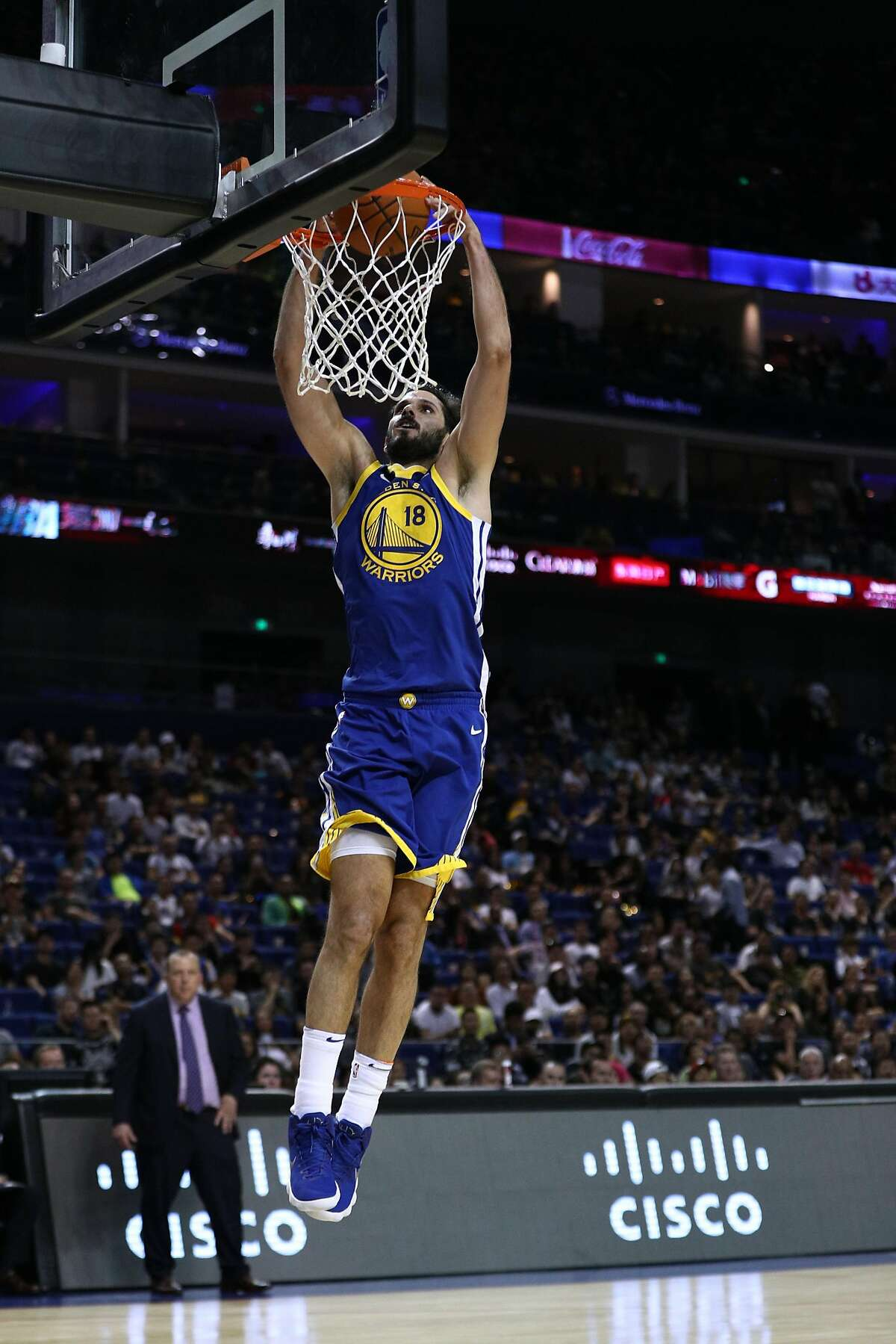 SHANGHAI, CHINA - OCTOBER 08: Omri Casspi #18 of the Golden State Warriors drunks during the game between the Minnesota Timberwolves and the Golden State Warriors as part of 2017 NBA Global Games China at Mercedes-Benz Arena on October 8, 2017 in Shanghai, China. (Photo by Zhong Zhi/Getty Images)