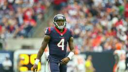 Houston Texans quarterback Deshaun Watson (4) walks off the field during the first half of an NFL football game at NRG Stadium on Sunday, Oct. 15, 2017, in Houston. ( Mark Mulligan / Houston Chronicle )