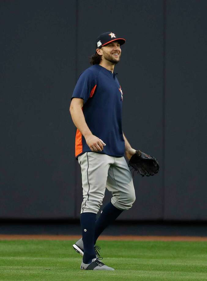 Houston Astros Jake Marisnick shags balls in the outfield during the Astros workout at Yankee Stadium, Sunday Oct. 15, 2017, in Houston. Photo: Karen Warren, Houston Chronicle / @ 2017 Houston Chronicle