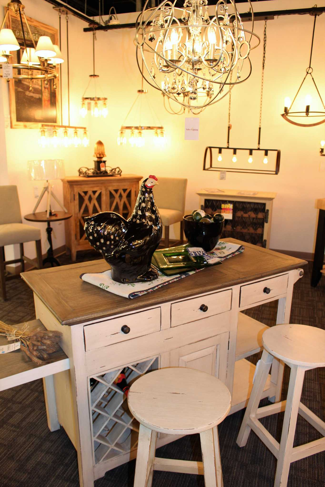 Valley Lighting And Home Décor Celebrates Grand Reopening In