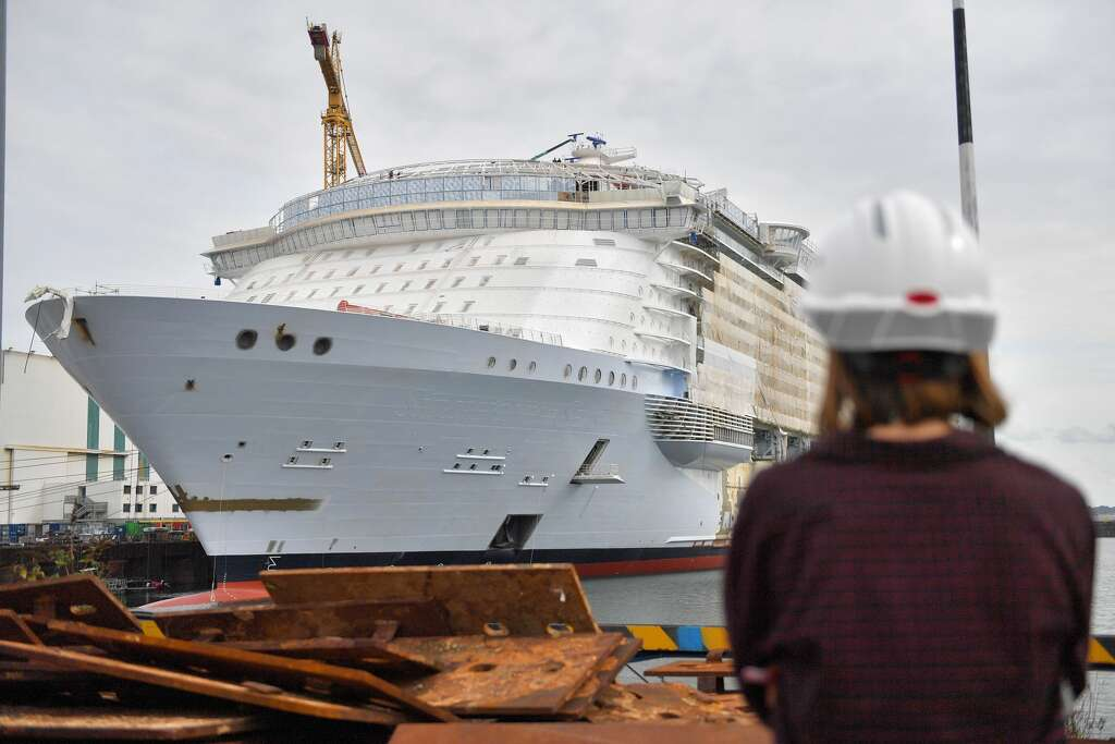 Royal Caribbeans Symphony Of The Seas The Worlds Largest - Cruise ships out of houston texas