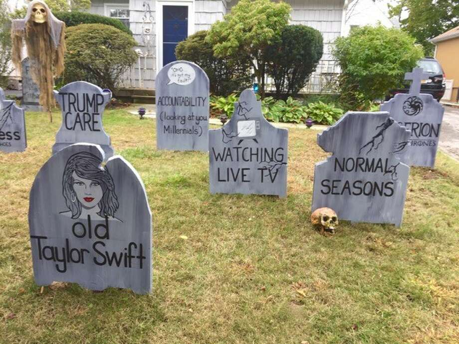 Michael Fry of Mamaroneck, New York dedicated his Halloween decorations 2017's dying trends and became an online sensation. Photo: Michael Fry