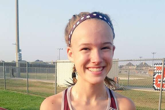 Cinco Ranch freshman Heidi Nielson won the District 19-6A cross country title.