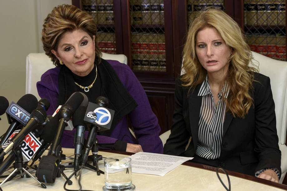 Summer Zervos (R), a former contestant on the TV show The Apprentice, who previously accused Donald Trump of sexual misconduct, during a press conference with attorney Gloria Allred in Los Angeles, California on November 11, 2016.  (Photo by Ronen Tivony/NurPhoto via Getty Images) Photo: NurPhoto/NurPhoto Via Getty Images