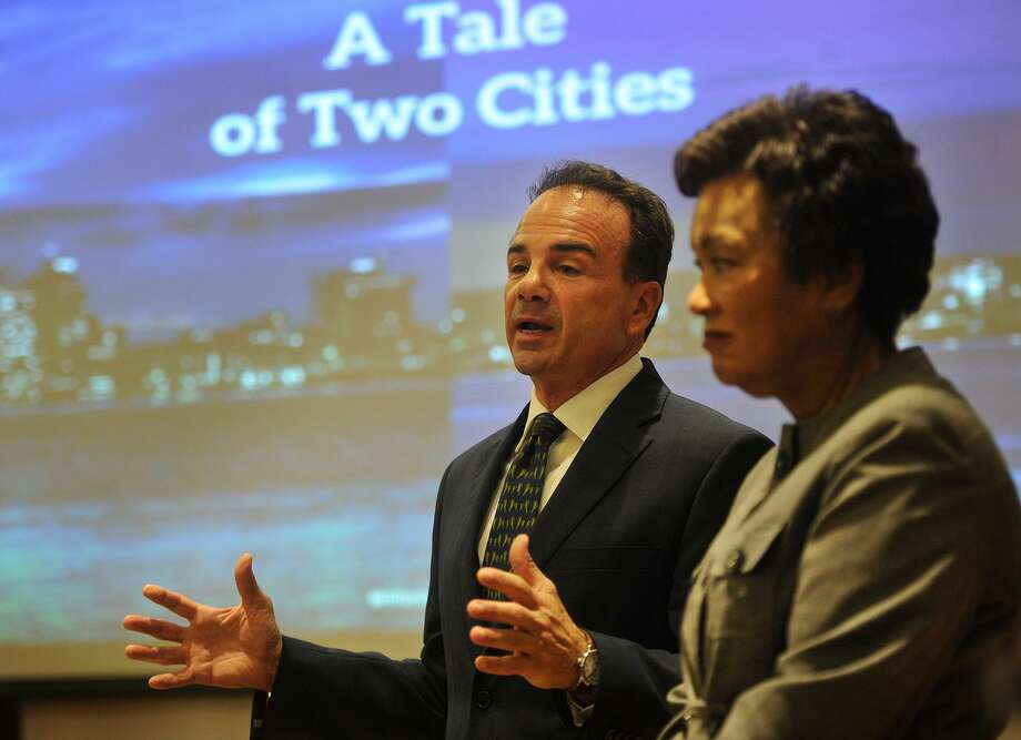 Bridgeport Mayor Joe Ganim and New Haven Mayor Toni Harp announce their Amazon application on Monday. Photo: Brian A. Pounds / Hearst Connecticut Media / Connecticut Post