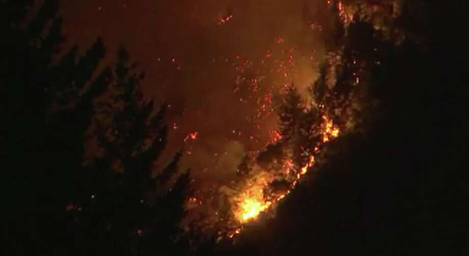 A fire burning in Boulder Creek in the Santa Cruz mountains prompted evacuations early on Tuesday, October 17, 2017. Photo: KTVU