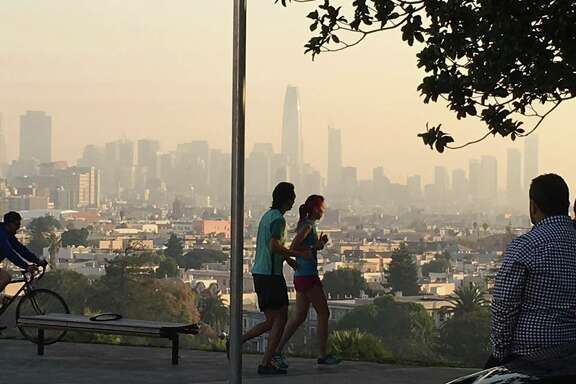 A smoky haze blankets San Francisco on Oct. 17, 2017, due to fires burning in the North Bay.