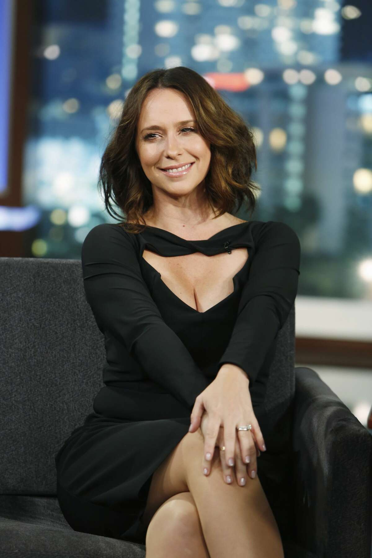 Here is actress Jennifer Love Hewitt today.