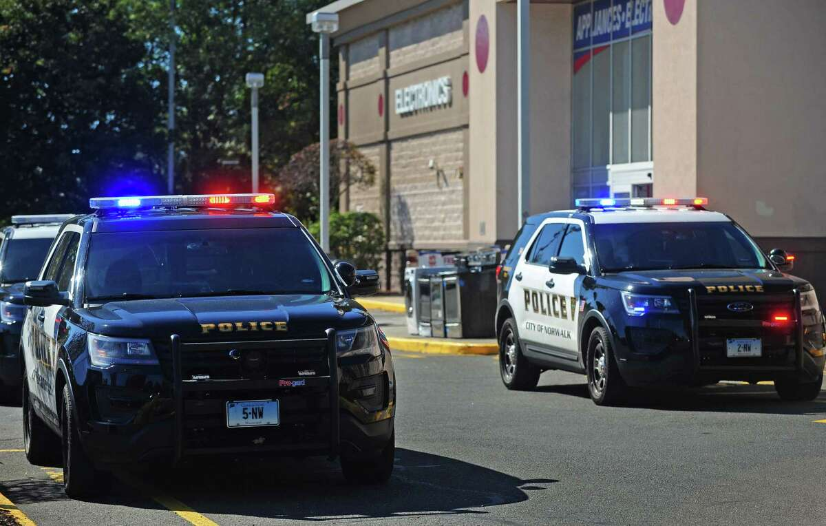 Norwalk police secure the area in and around the P.C. Richards and Son and Dick?'s Sporting Goods stores at 444 Connecticut Ave. after arresting a man with a BB gun Tuesday, October 17, 2017, in Norwalk, Conn.