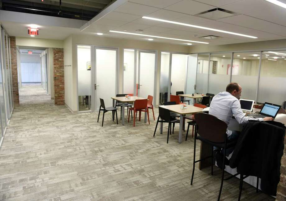 An office in the space at 700 Canal St., neighboring the newly-renovated space at 850 Canal St. in Stamford, Conn. Tuesday, Oct. 17, 2017. The 70,000 square foot Class A office space is leasing to small- and medium-sized tenants in blocks up to 10,000 square feet. Photo: Tyler Sizemore, Hearst Connecticut Media / Greenwich Time
