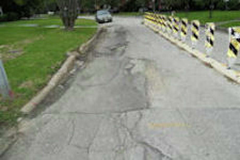 Localized pavement failure Photo: City Of Houston