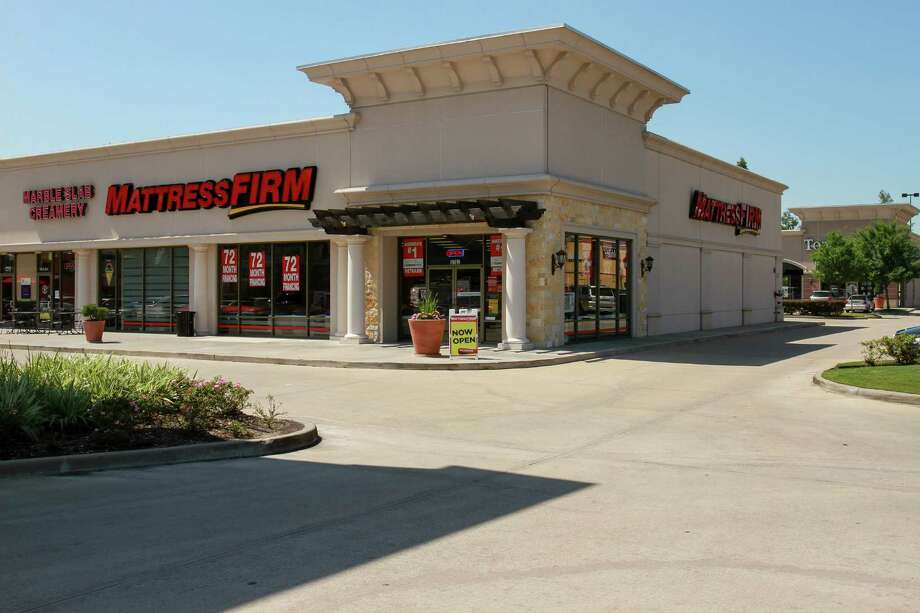 Mattress Firm at 9762 Katy Freeway. (For the Chronicle/Gary Fountain, May 20, 2016) Photo: Gary Fountain, For The Chronicle / Freelance