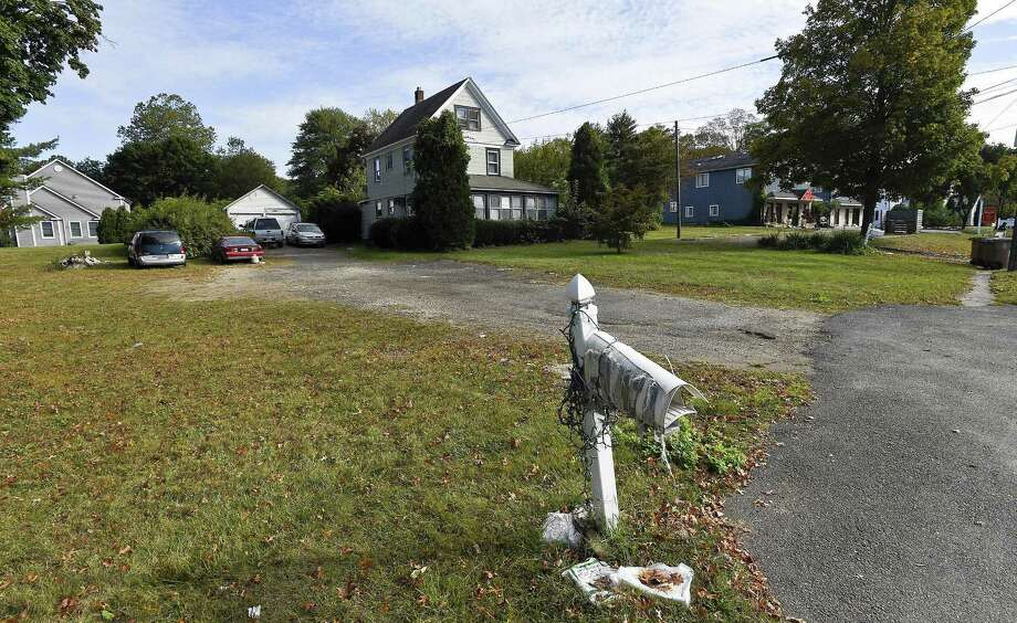The Zoning Board has denied a controversial 7,000-square-foot medical clinic for a High Ridge Road property. Photo: Matthew Brown / Hearst Connecticut Media / Stamford Advocate
