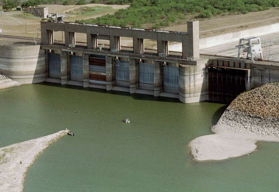 """This is how Falcon Dam  appears during a time of drought. It and the other dams were identified in the safety report as """"high priority"""" or """"conditionally unsafe."""" Photo: Christobal Perez / Houston Chronicle / Houston Chronicle"""