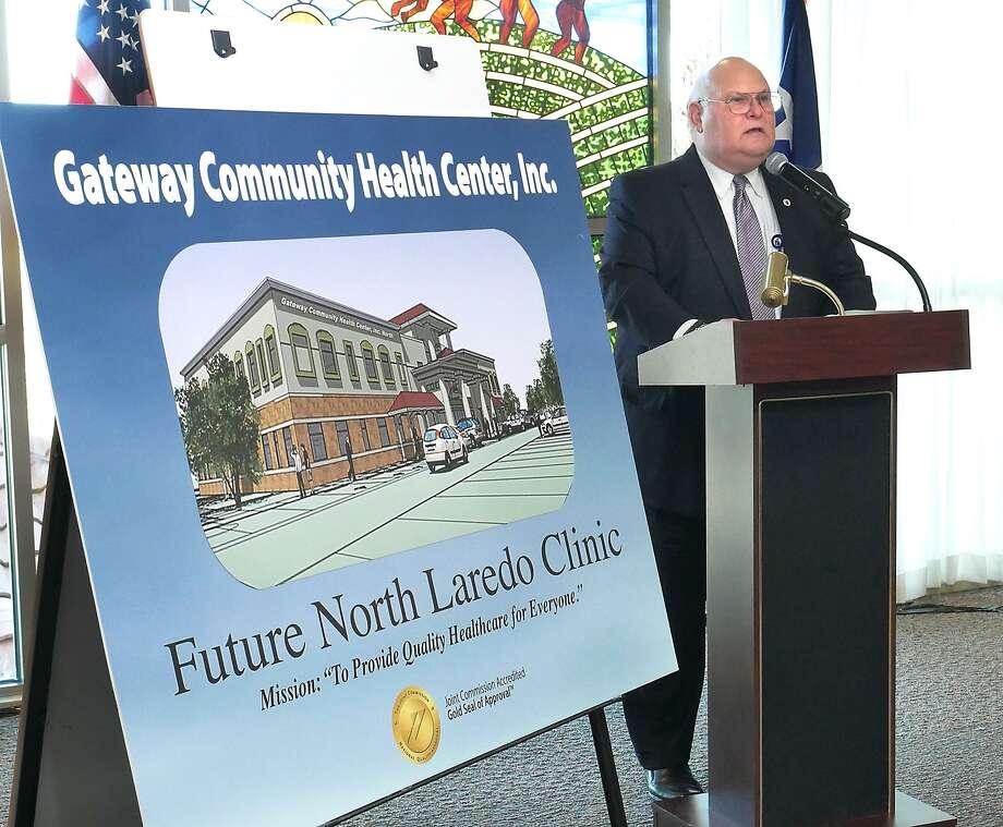 Elmo López, CEO de Gateway anunció la campaña capital para construir una clínica en la parte norte de la ciudad. Photo: Cuate Santos /Laredo Morning Times / Laredo Morning Times
