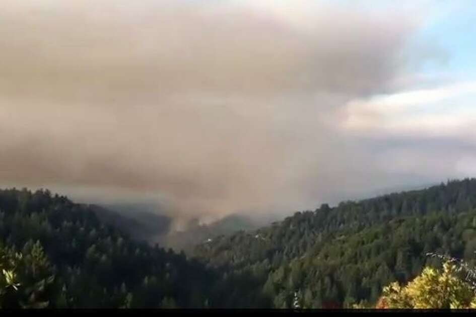 A wildfire in the Santa Cruz Mountains had grown to 271 acres on Wednesday morning and was 10 percent contained, but not expected to spread, officials said.