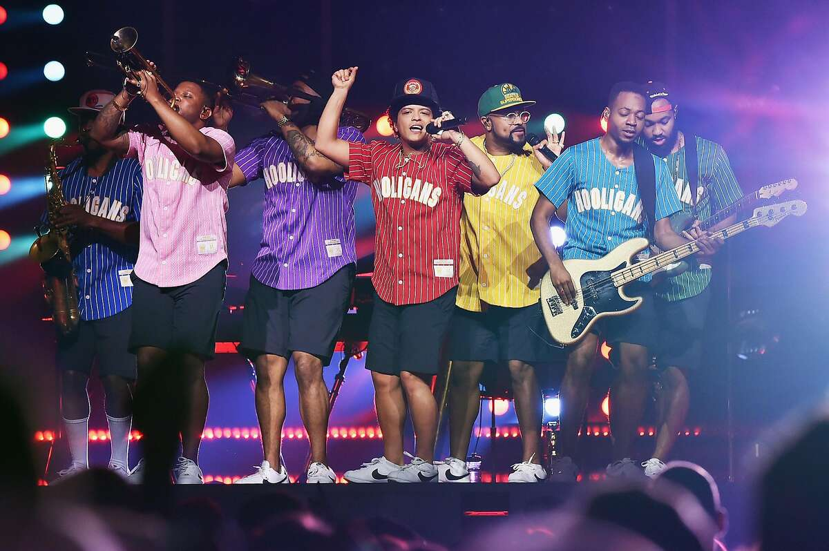 Bruno Mars performs at Madison Square Garden on September 22, 2017 in New York City.