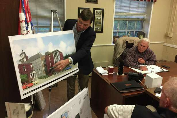 The Greater Litchfield Preservation Trust presented a plan to convert the former Litchfield Judicial District courthouse into a new Town Hall Tuesday evening.