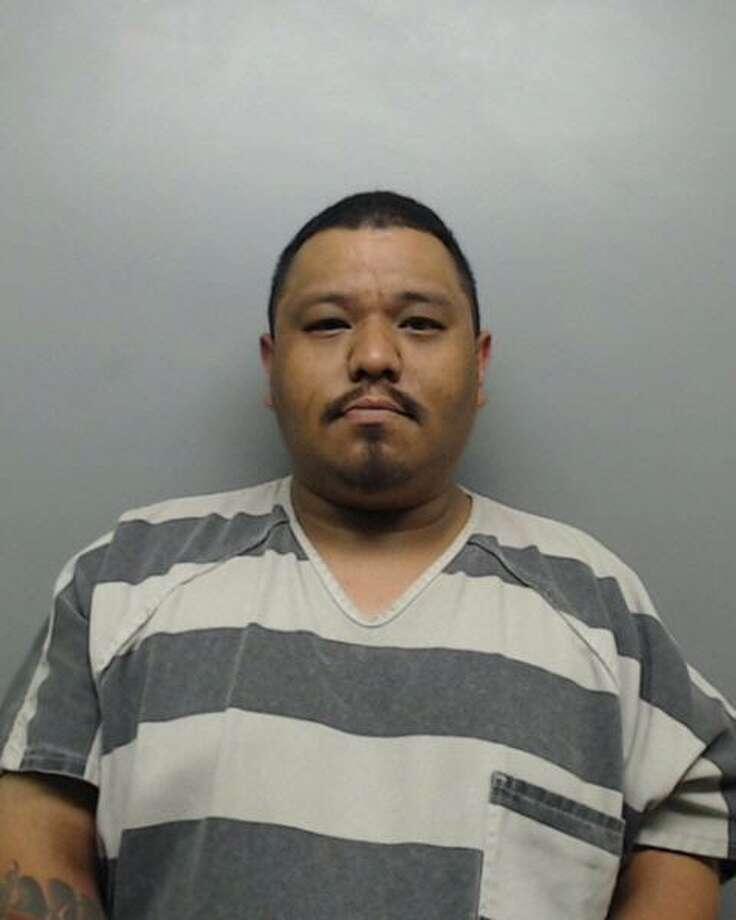 Artemio Javier González, de 32 años de edad y Jennifer Valdez, de 37, ambos con condenas anteriores, fueron encontrados en posesión de alrededor de 6,5 libras de marihuana. Photo: /