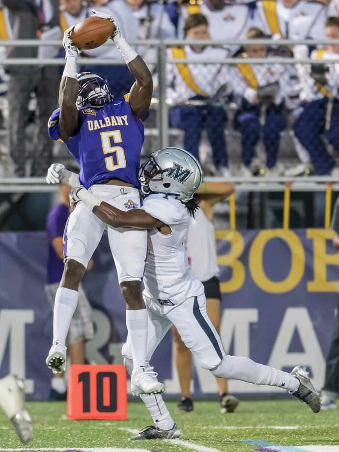 Jerod Diggs of the UAlbany football team pulls in a pass. (Bill Ziskin / UAlbany Athletics) Photo: Bill Ziskin / (c) Bill Ziskin Photography LLC