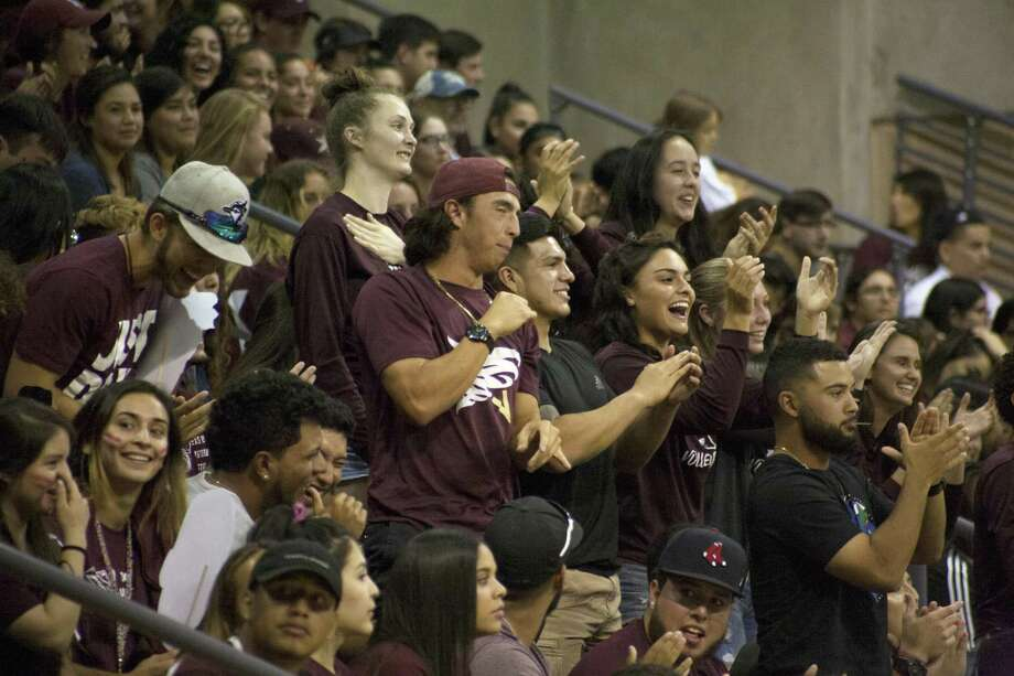 TAMIU's Maroon Madness Photo: Francisco Vera /Laredo Morning Times