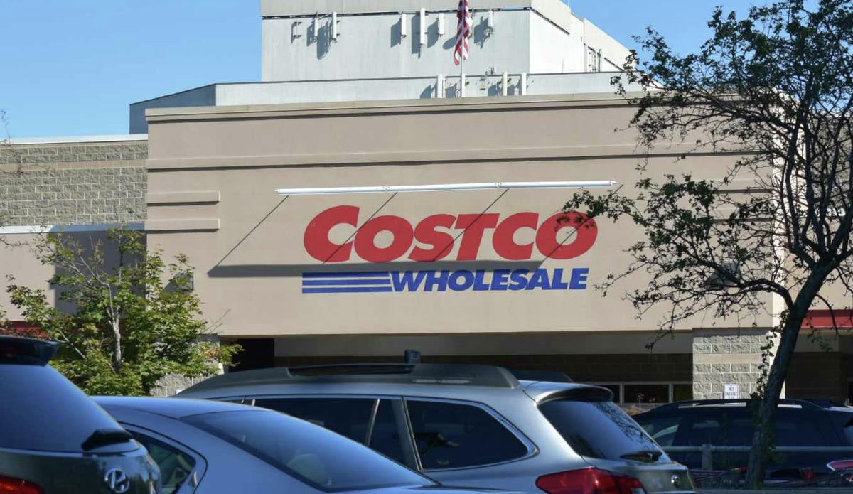 Costco $200 off diamond earrings $300 off treadmill $1,000 off hot tub Click here for more deals