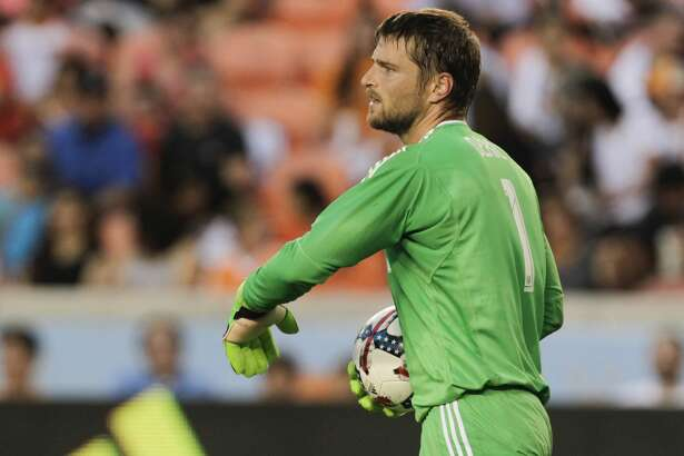 Houston Dynamo goalkeeper Tyler Deric (1) during the first half of the game at BBVA Compass Stadium Wednesday, May 31, 2017, in Houston. ( Yi-Chin Lee / Houston Chronicle )