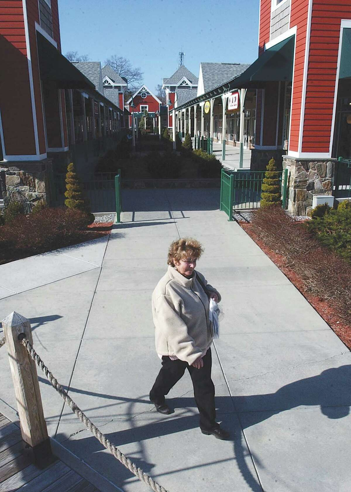 Westbrook Outlets is adding an indoor ice skating rink in a bid to differentiate the retail center from its rivals along the Shoreline. Photo date: March 29, 2004