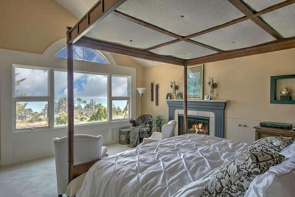 The owner�s suite enjoys ocean views.�