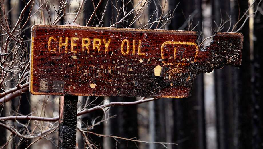 A sign burned in the Rim Fire along Cherry Lake Road near Groveland on Sept. 25, 2013. Photo: Michael Macor, The Chronicle