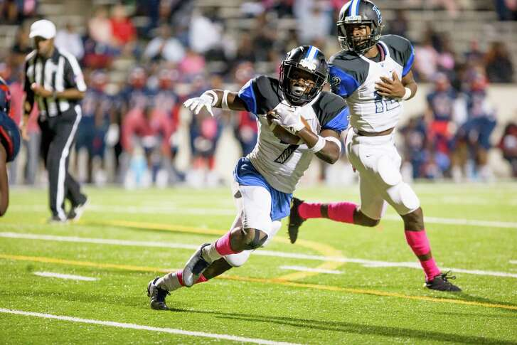 DeKaney RB Donald Smith (7) runs with the ball during the second quarter of a football game between Dekaney vs Aldine Davis high school football game at Thorne Stadium, Thursday, October 19, 2017, in Houston. (Juan DeLeon/for the Houston Chronicle)