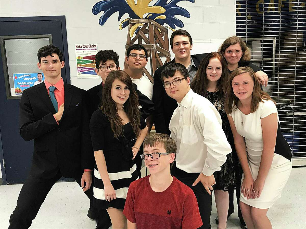 On Saturday, October 14, the Dayton Debate team competed at the West Hardin Speech and Debate Tournament. The Bronco representatives continued their winning ways bringing home more medals. Dayton was represented by team members Ethan Ives, Ben Cruz, Federico Garcia, Josh Daic, Charity Cain, Lilly LeBouf, Ryan Barnes, Crystal Haggard, Skyler Starkey, and Chance Burkes. Ethan Ives and Skyler Starkey both were perfect with a win/loss record of 3-0 in Lincoln-Douglas Debate. Crystal Haggard and Lilly LeBoeuf both ended with a winning record of 2-1 in Lincoln Douglas Debate. Lebeouf and Chance Burkes advanced to finals in Impromptu speaking with Lebeouf grabbing fourth place and Burkes 6th overall. Front row, from left, Chance Burkes. Second row, left, Lilly LeBeouf, Ryan Barnes, Crystal Haggard, and Skyler Starkey. Back row, Ethan Ives, Ben Cruz, Federico Garcia, and Charity Cain.