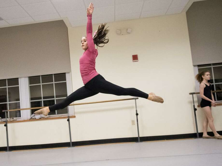 Kiersten Yusi practices dance at the Western Greenwich Civic Center in Greenwich, Conn., Oct. 10, 2017. Yusi, a high school senior, has choreographed dance shows and is preparing to apply to college as a dance major. Photo: Keelin Daly / For Hearst Connecticut Media / Stamford Advocate freelance