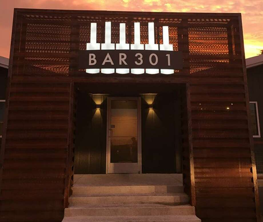 Bar 301 had its grand-opening celebration in Leon Springs Wednesday night. It's owned by Frank and Lori Hakspiel, who operate Fralo's next door, and upscale drinks and piano-playing entertainment will be a major focus of the operation. Photo: Courtesy Bar 301