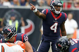Houston Texans quarterback Deshaun Watson (4) makes a call at the line during the third quarter of an NFL football game against the Cleveland Browns at NRG Stadium on Sunday, Oct. 15, 2017, in Houston. ( Brett Coomer / Houston Chronicle )