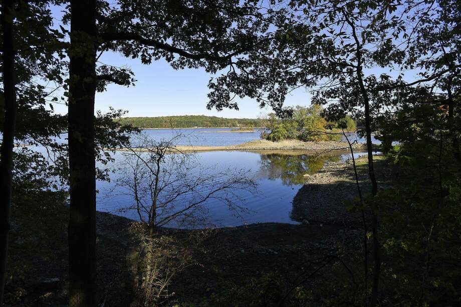 A view of the Laurel Reservoir off Laurel Road in Stamford on Friday. Photo: Matthew Brown / Hearst Connecticut Media / Stamford Advocate