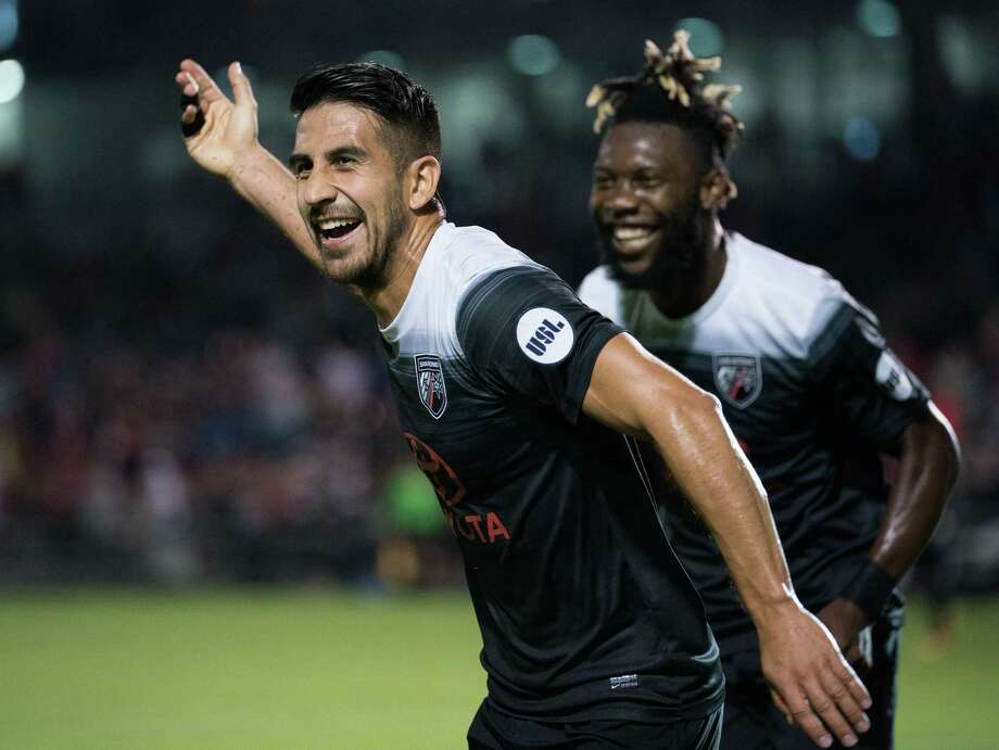 Ever Guzman (left) and Omar Gordon were second-half acquisitions that have paid big dividends for San Antonio FC. Guzman hails from Mexico, while Gordon hails from Jamaica. Photo: Darren Abate / For The Express-News / Darren Abate Media LLC