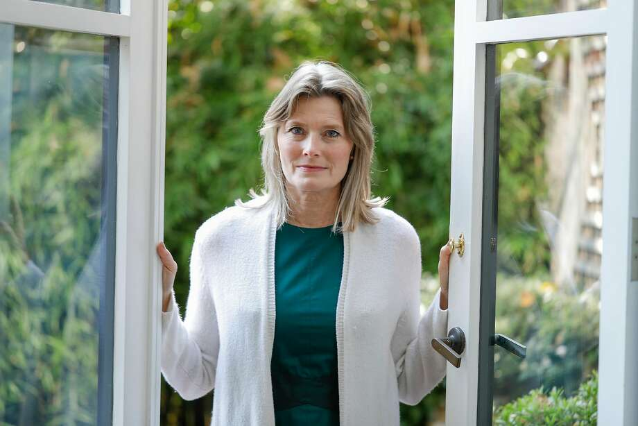 Jennifer Egan in San Francisco: The sense of place that is so distinctive in her fiction may owe something to the geographical dislocations of her childhood. Photo: Russell Yip / The Chronicle 2017