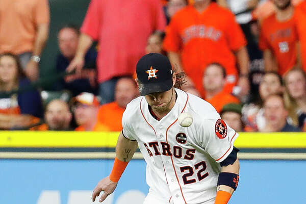 inning of Game 6 of the ALDS at Minute Maid Park, Friday, Oct. 20, 2017, in Houston. ( Karen Warren / Houston Chronicle )