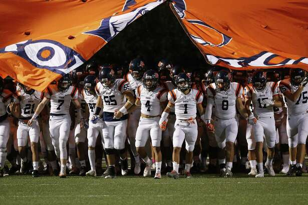 The Brandeis Broncos take the field for the game against Brennan during District 28-6A high school football at Dub Farris Stadium on Friday, Oct. 20, 2017. (Kin Man Hui/San Antonio Express-News)