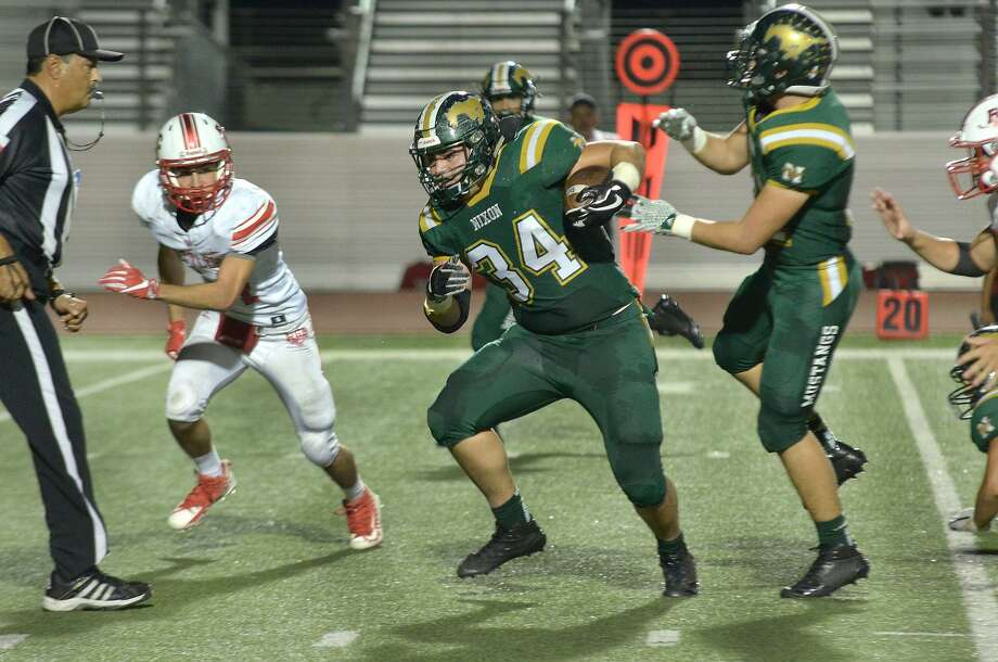 Chris Casas and the Mustangs travel for a 7:30 p.m. game Friday at Sharyland. Photo: Cuate Santos /Laredo Morning Times / Laredo Morning Times