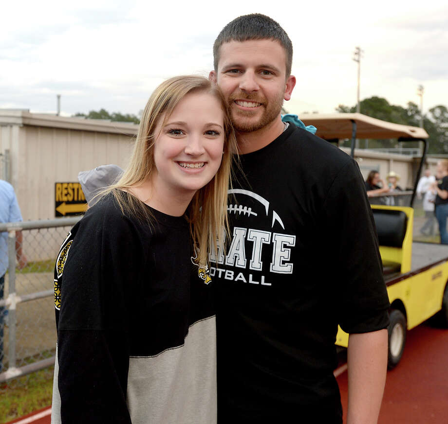 Alexis Brown and Nate Smith were at Vidor versus Port Neches - Groves' District 22 - 5A match-up Friday night in Vidor. Photo taken Friday, October 20, 2017 Kim Brent/The Enterprise Photo: Kim Brent / BEN