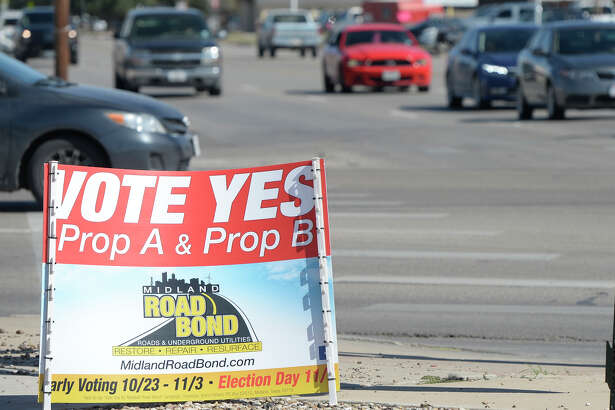 Road Bond signs near the corner of West Illinois and Midland Dr. photographed Oct. 21, 2017. James Durbin/Reporter-Telegram