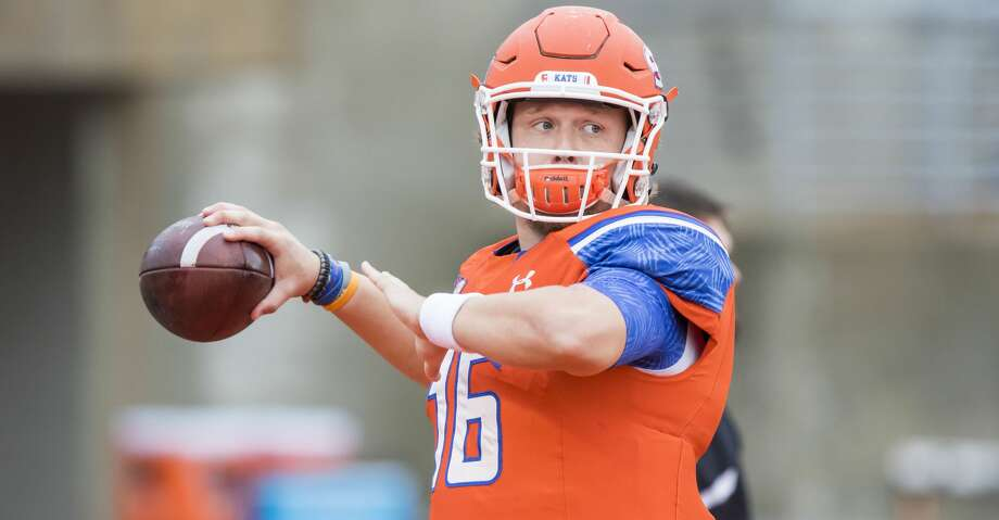 Jeremiah Briscoe, who became the school's all-time passing leader on Saturday, threw for 371 yards and four touchdowns. Photo: Joe Buvid/For The Houston Chronicle