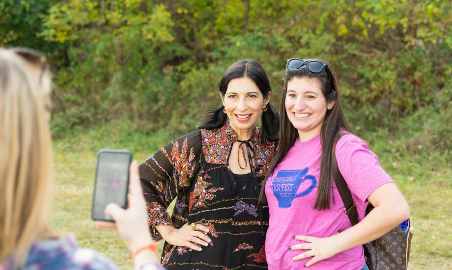The Gilmore Girls Fan Fest was held in Kent on October 20-22, 2017. Festival goers enjoyed screenings, themed activities and celebrity appearances. Were you SEEN? Photo: Steve Schaum      Photography, Steve Schaum