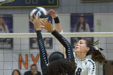 Alexander's Amber Tran and the Lady Bulldogs swept United South 3-0 on Saturday.