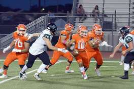 Wayo Huerta was 12 of 23 for 177 yards with two touchdowns and an interception Saturday in United's 33-29 loss to San Antonio Southwest.